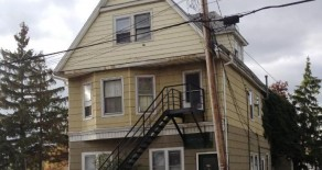 AVAILABLE IMMEDIATELY -Riverside – 1 Bedroom Apartment, Includes All Utilities, Stove & Fridge!