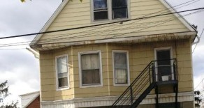 Includes All Utilities!!  One Bedroom Apartment in Riverside.