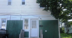 AVAILABLE MAY – Spacious 2 Bedroom Townhouse-style Apartment in Tonawanda